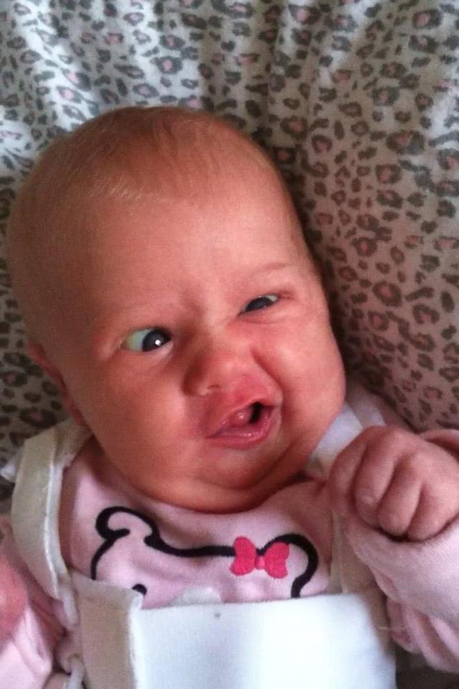 Cara de caca de bebé. La lucha es real.