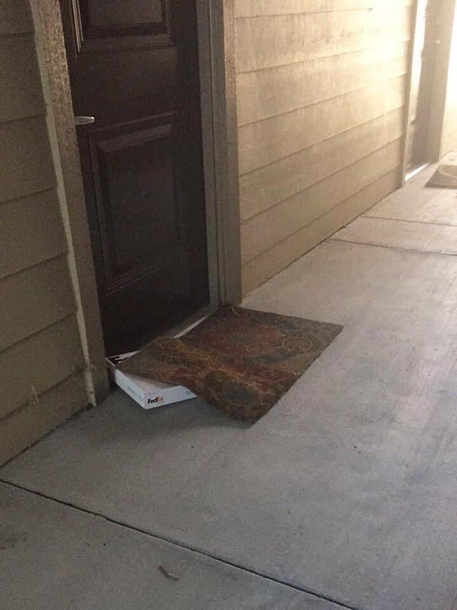 Paquete brillantemente oculto.