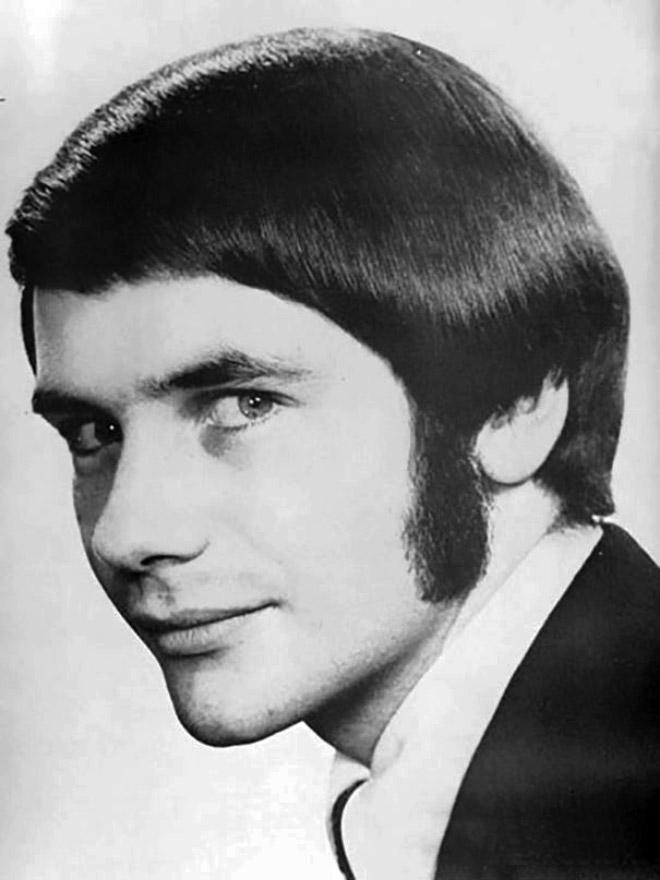 Peinado de hombre de la década de 1970.