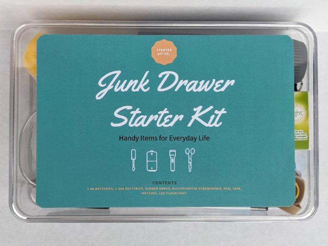Junk Drawer Starter Kit que puedes comprar en Etsy.