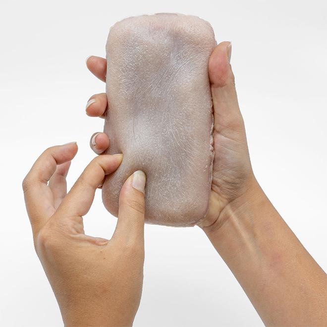 Caja del teléfono de piel humana.